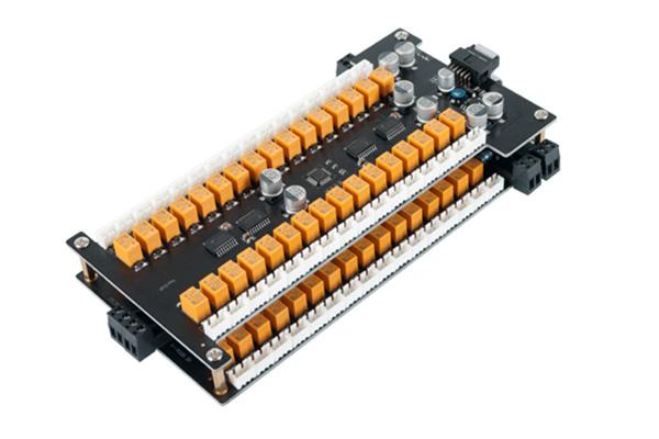 电梯门禁FC-2864M系列,又称为多用途智能控制器,广泛应用于电梯读卡管理、储物柜管理、小区信箱管理、军队枪械管理、殡葬骨灰盒管理等等,支持RS485通信方式与脱机管理双模式结合,RS485通讯距离可达到1200米,一条总线可以接255台设备,也可以与其它一卡通设备安装在同一个系统中,集中管理。 FC-2864M系列电梯门禁控制器的特点:采用大容量Flash存储芯片,可支持60000张卡片信息,80000条刷卡记录,20000条其它事件记录;FC-2864M系列电梯门禁控制器由主板、扩展板、读卡头组成,